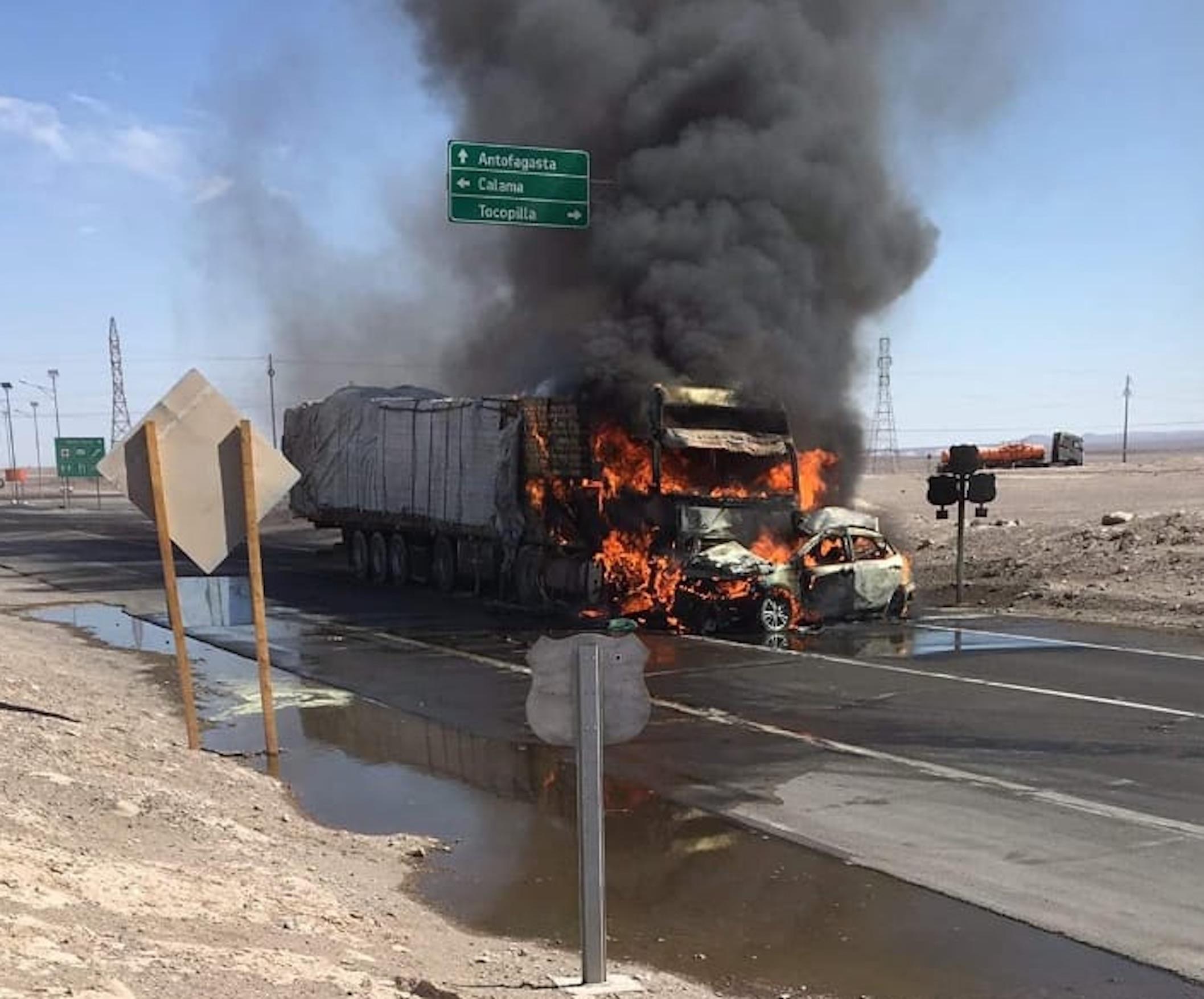 Antofagasta: Fatal accidente deja 4 muertos en la Ruta 5 a la altura cruce a Calama