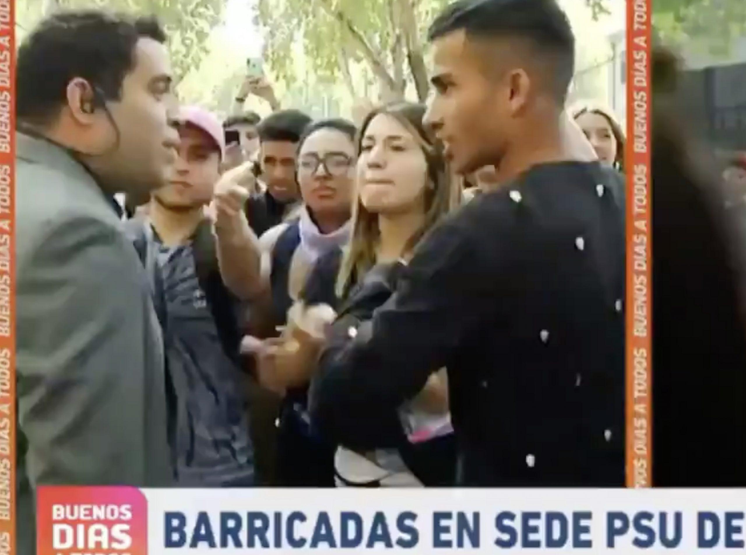 ? VIDEO: Periodista de Buenos Días a Todos es expulsado por manifestantes mientras cubría la PSU