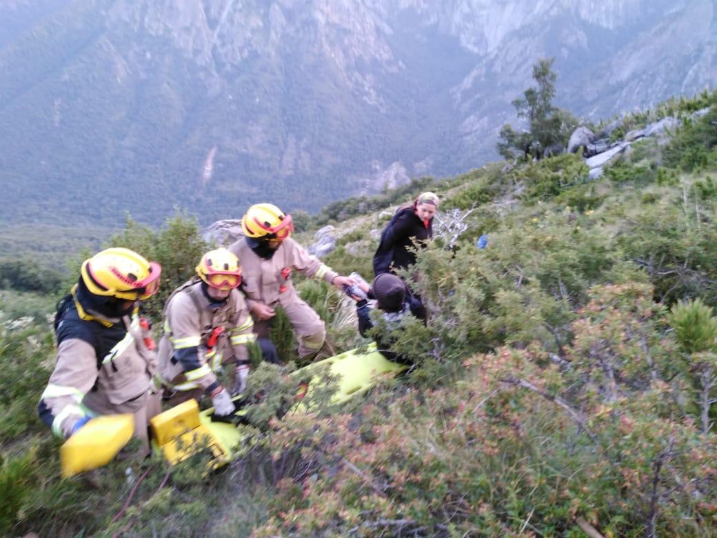 Bomberos solicita ayuda aérea para rescatar excursionistas en la cordillera de Santa Bárbara