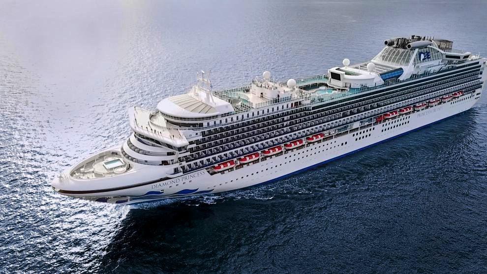 Coronavirus: 5 chilenos en cuarentena a bordo de un crucero frente a las costas de Japón