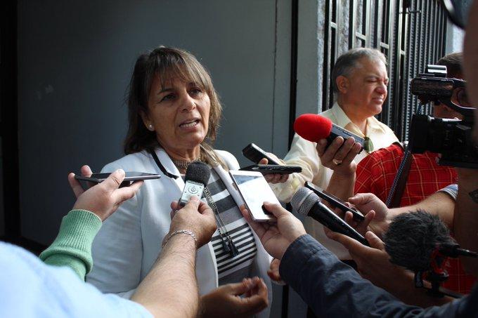 Gobernadora de Itata habría amenazado a funcionarios para que asistan a banderazo del rechazo
