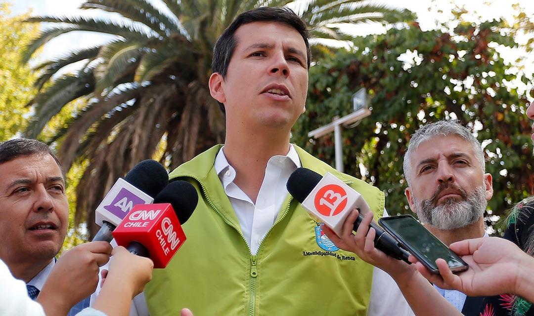 Alcalde de Renca y muerte de vecina por Covid-19: «es una falta de respeto habernos enterado por un tuit»