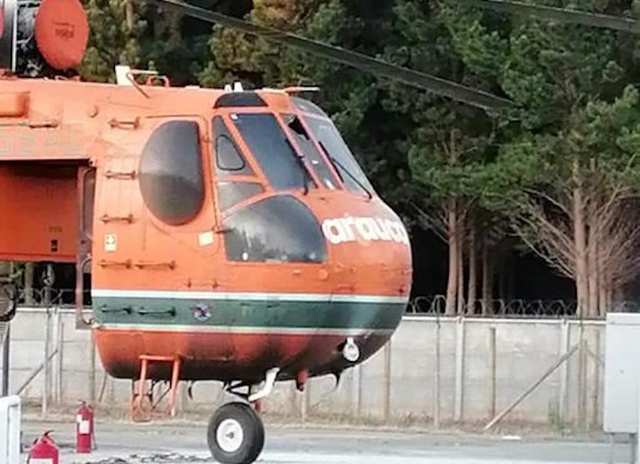 Desconocidos queman helicóptero de Arauco utilizado para incendios forestales en Santa Juana