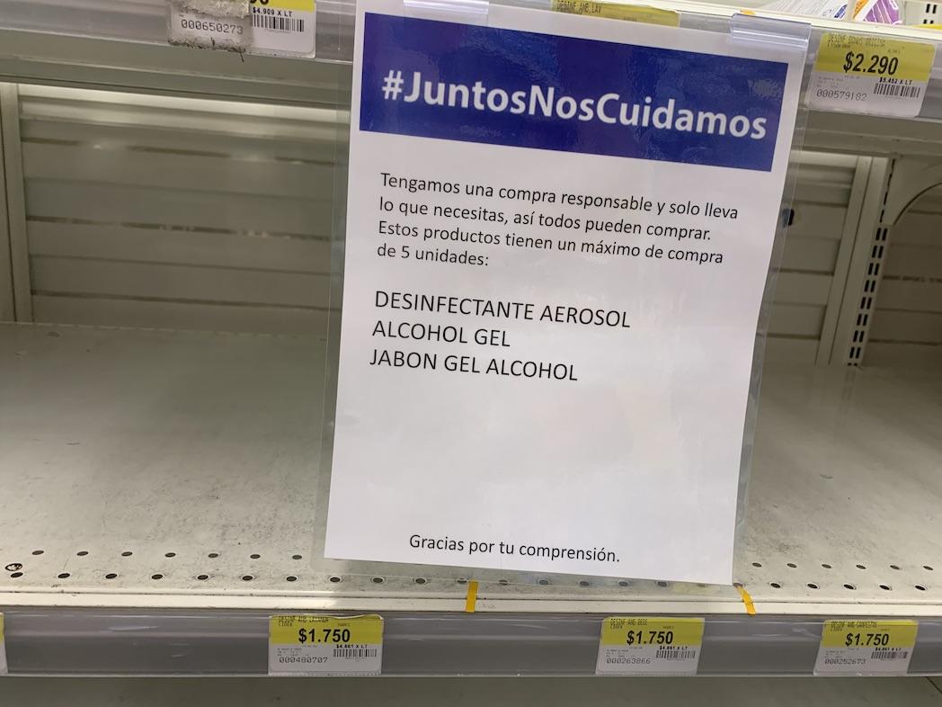 Walmart anuncia que limitará venta de productos de limpieza en todo Chile