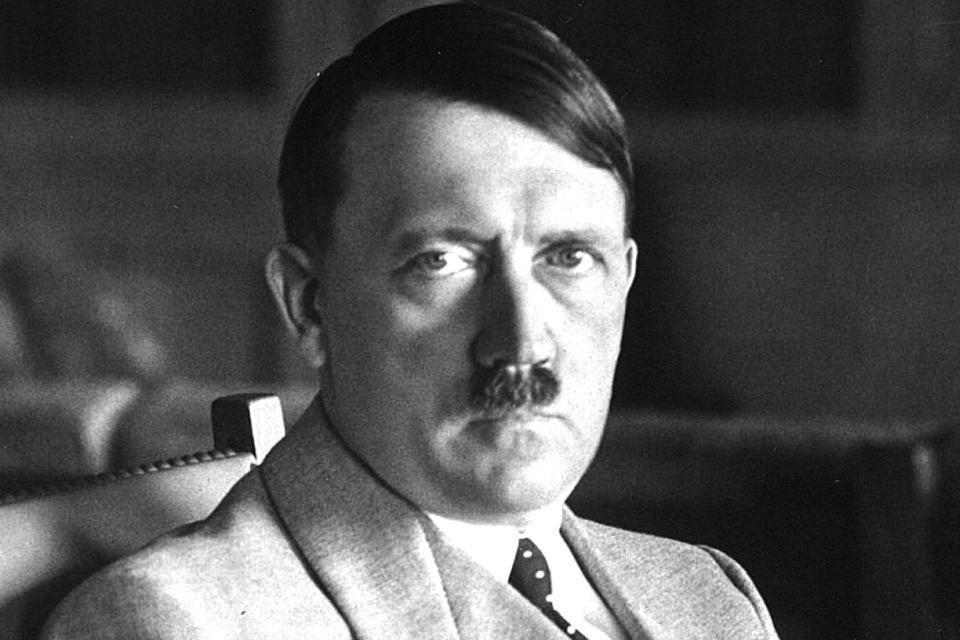 ¿Propaganda Nazi? Cuestionan a Puma por zapatilla parecida a Hitler