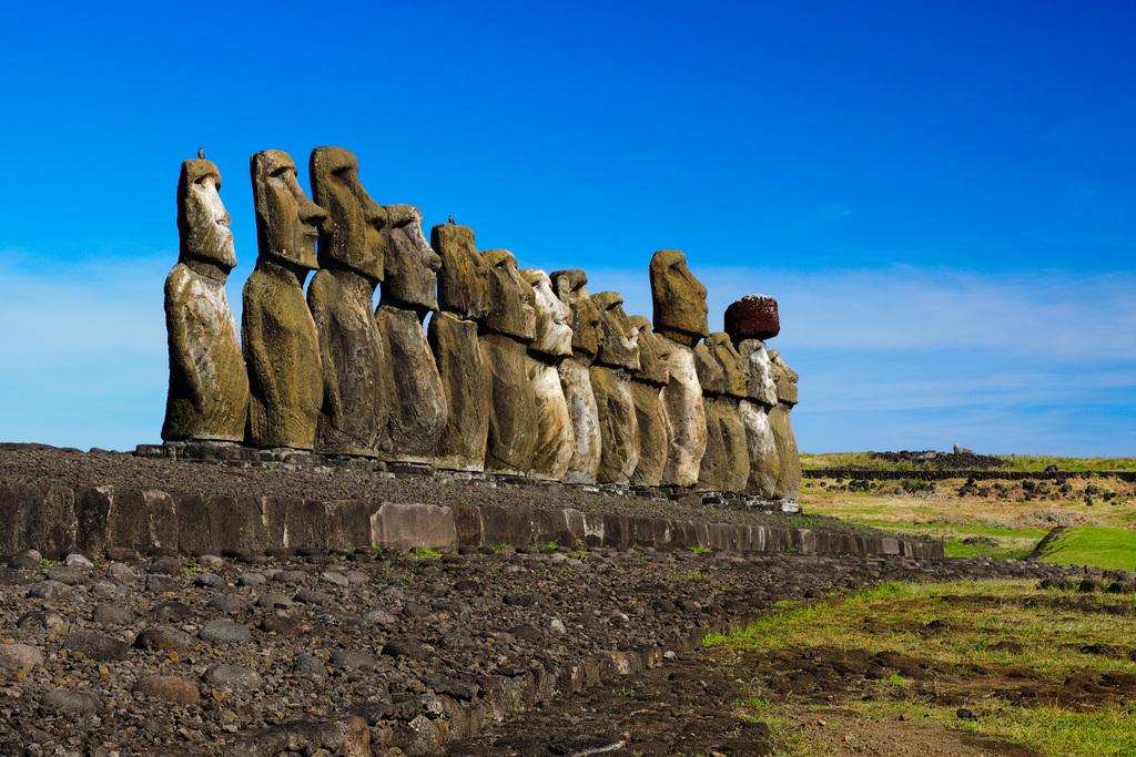 Rapa Nui: Comunidad indígena compra 10 mil test para Covid-19 ante falta se insumos en la isla