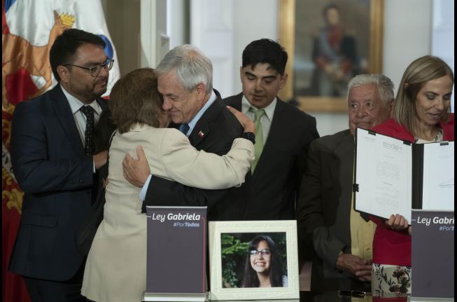 Presidente Piñera promulga la Ley Gabriela