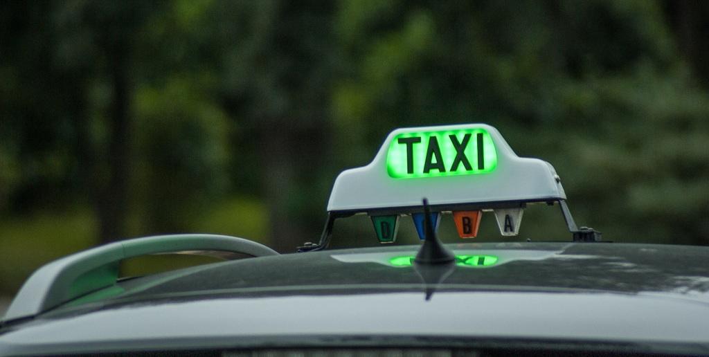 Permiso de circulación tendrá el mismo costo para todos los taxis