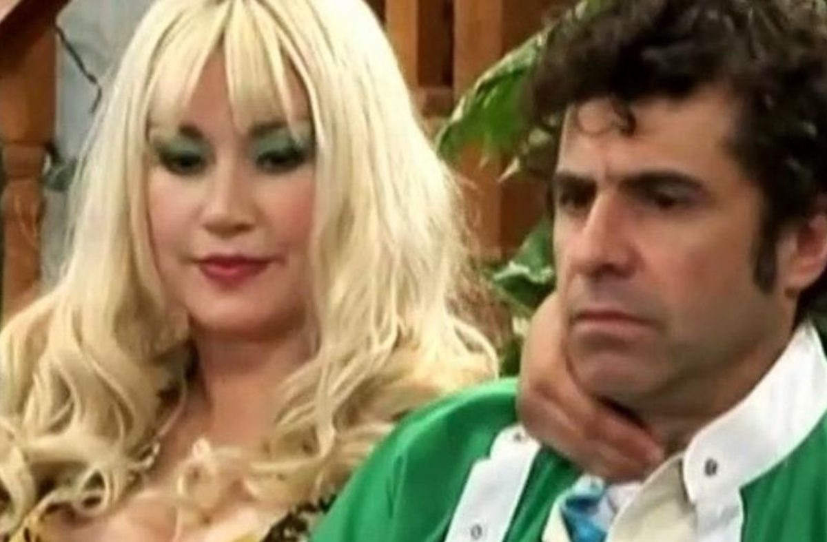«Tito Larraín» hace su aparición tras videos de la Kena, Marcia y la Titi