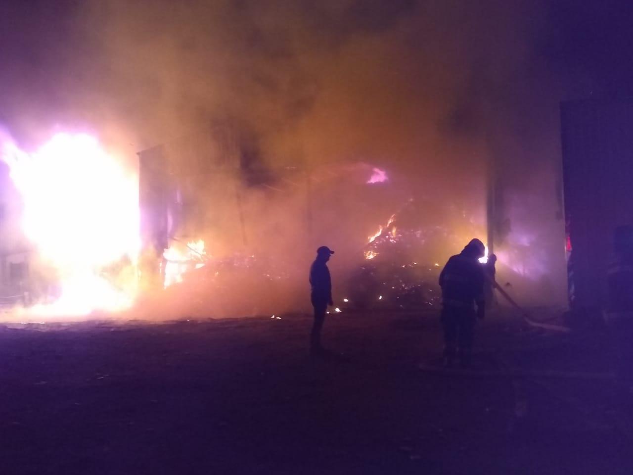 Incendio afecta a Aserradero Peñiwen en Los Ángeles