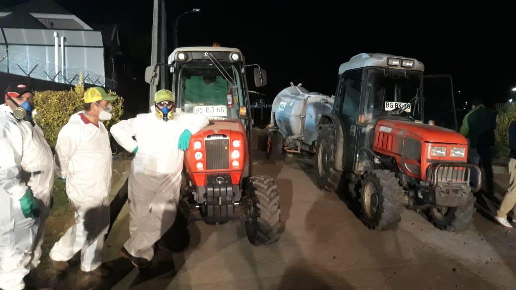 Agricultores de Socabío sanitizaron la ciudad de Los Ángeles