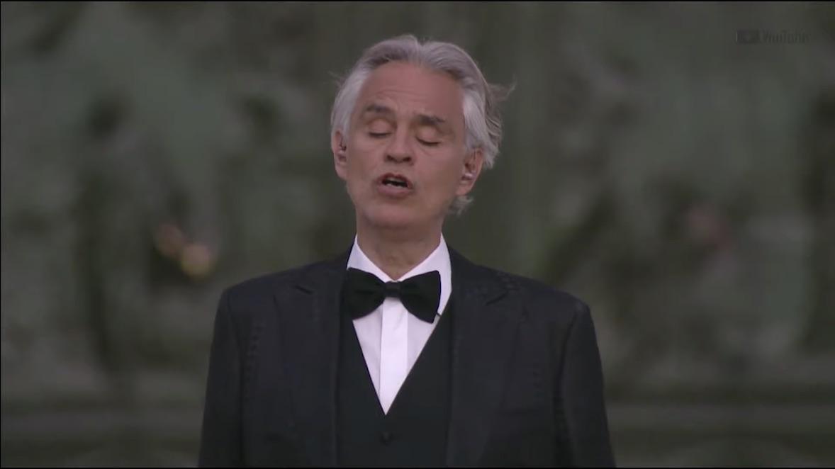 La sorprendente interpretación de «Amazing Grace» de Andrea Bocelli en Milán