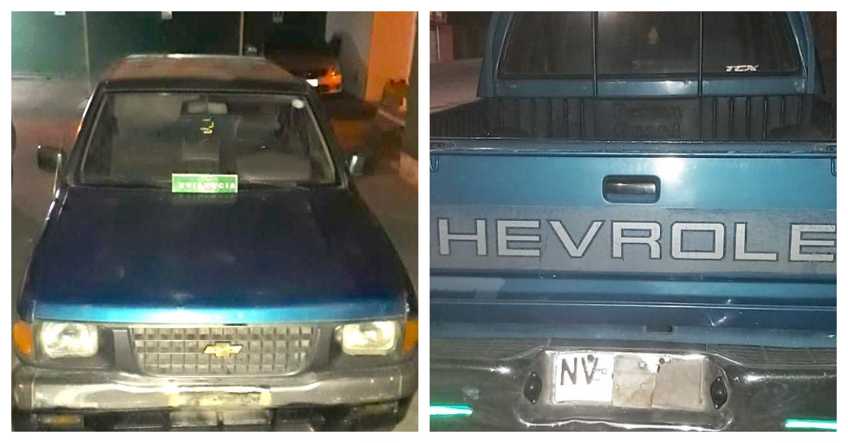 Se paseaba por Los Ángeles en toque de queda con auto robado y patente adulterada