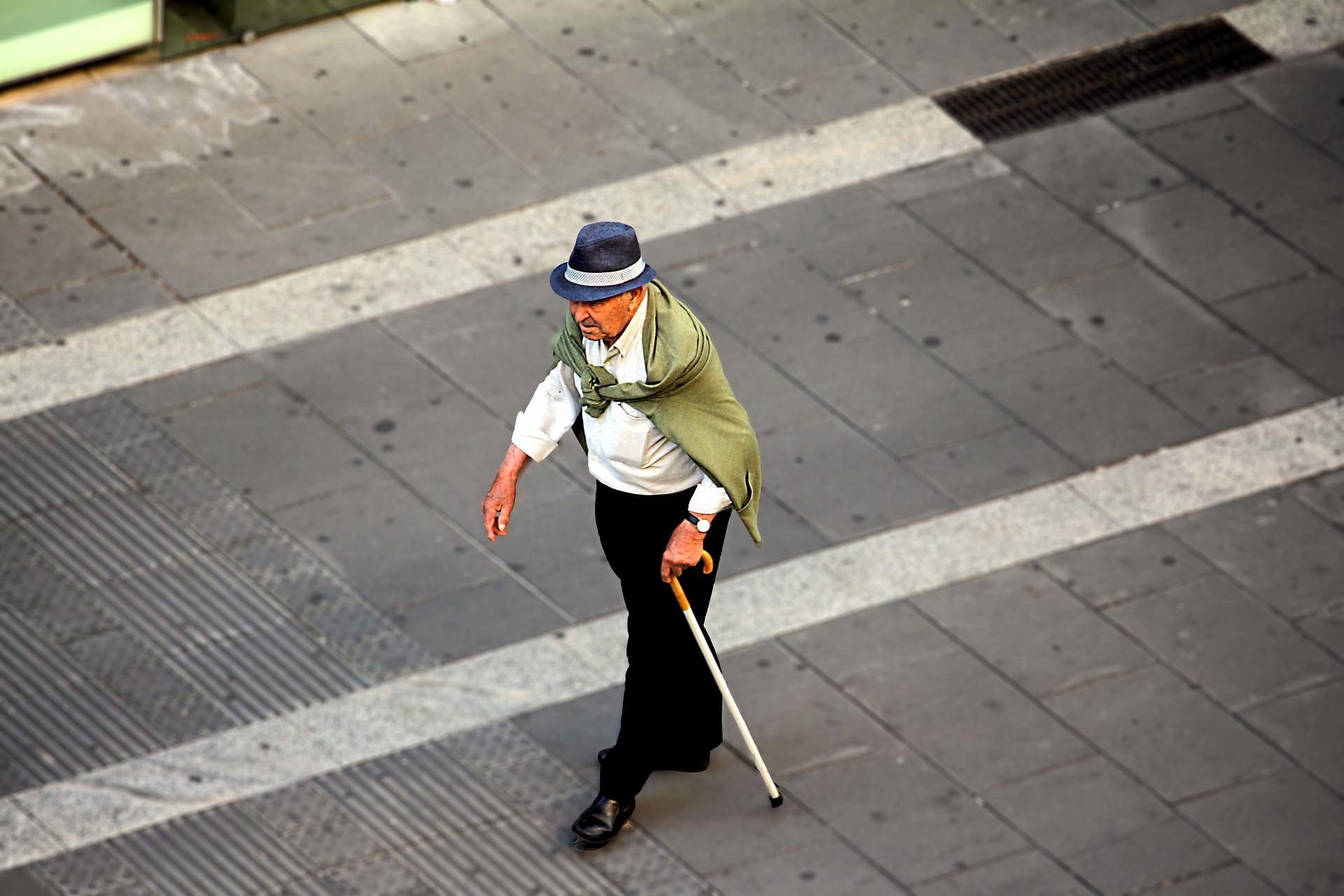 INE: Adultos mayores en Chile: ¿Cuántos hay? ¿Dónde viven? ¿Y en qué trabajan?