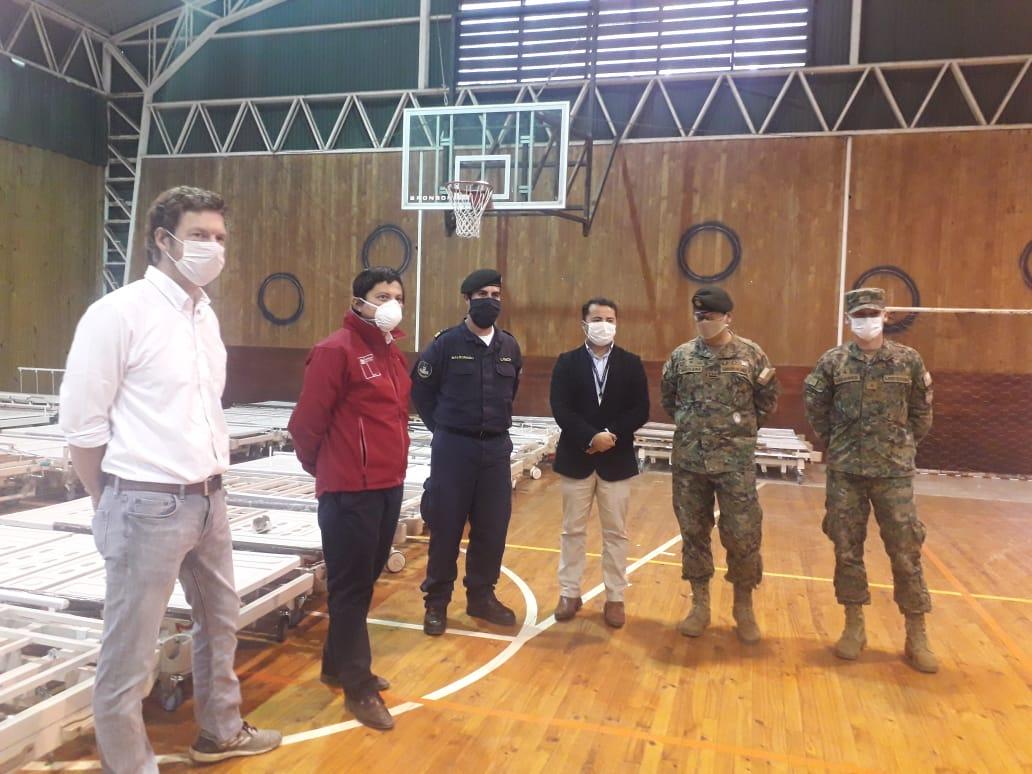 Reciben 83 camas clínicas para instalaciones Covid-19 en ex edificio CMPC