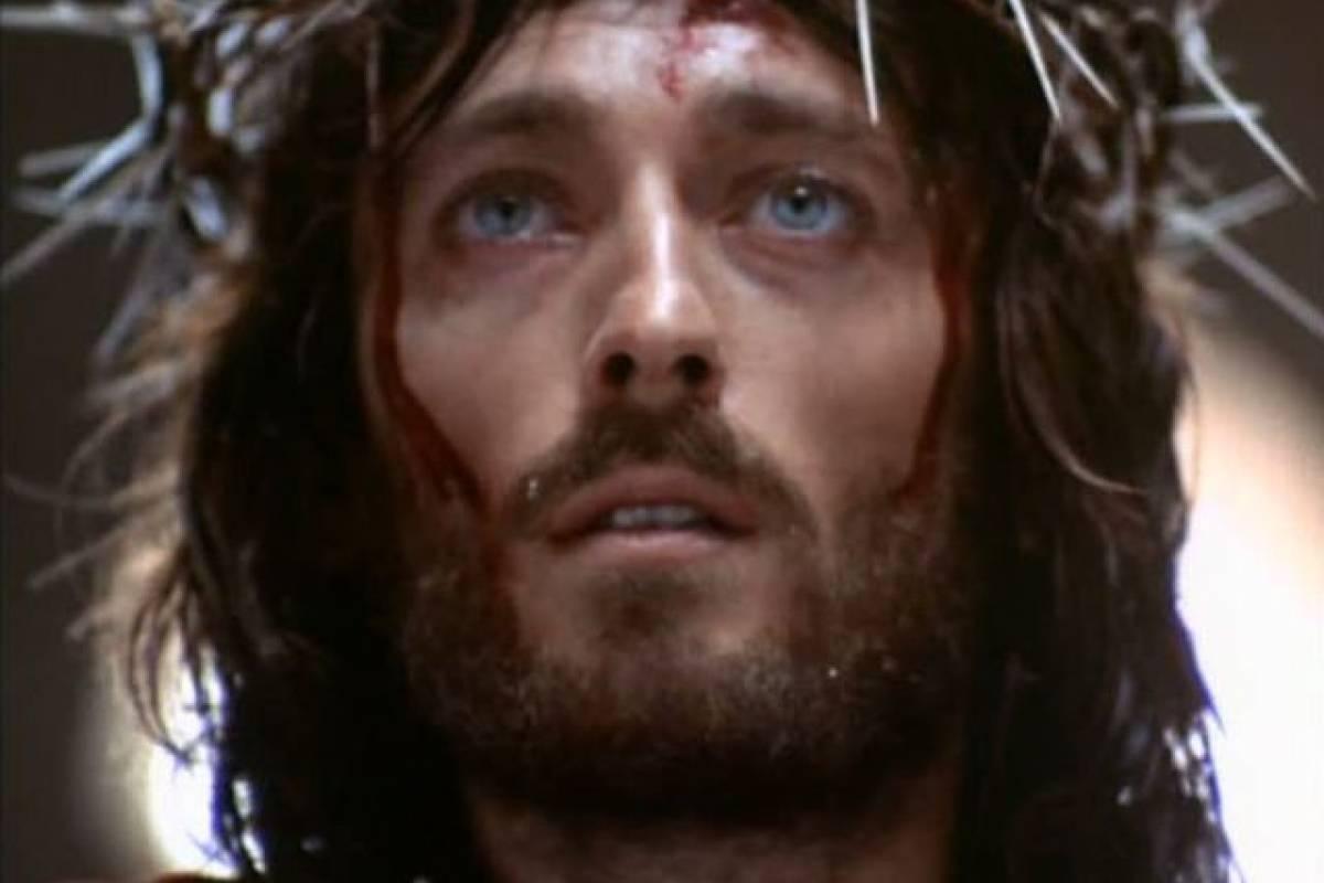Cristo de 75 años: Así está el actor que interpretó a «Jesus de Nazareth»
