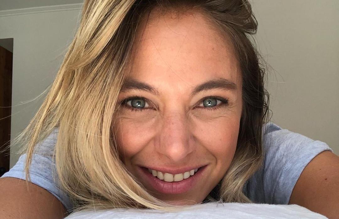 «Antes muerta que sencilla»: Mariana Derderian muestra sus glamorosos guantes de latex