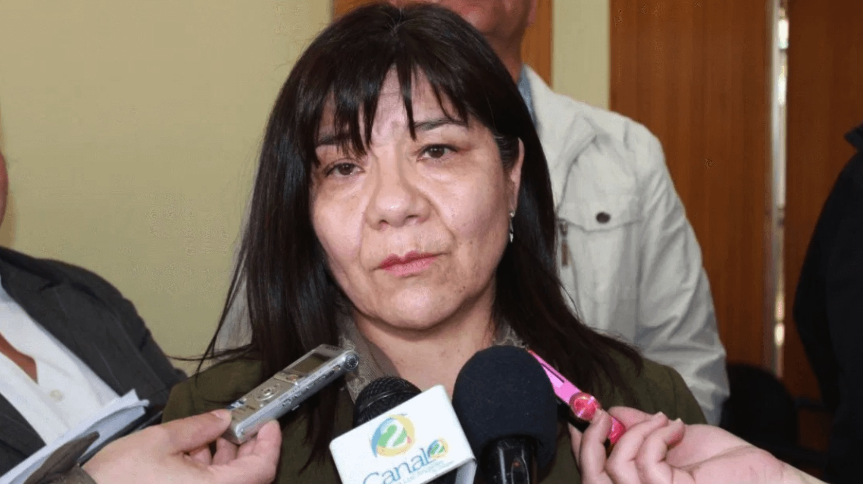 Ordenan sumario contra jefa de obras de Los Ángeles: Aprobó 28 expedientes a su ex marido