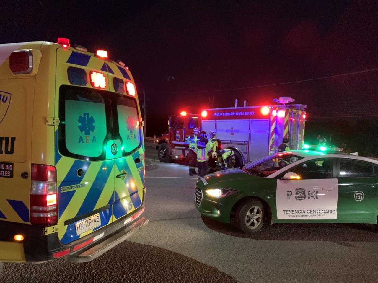 Un lesionado deja accidente entre moto y camioneta en Los Ángeles