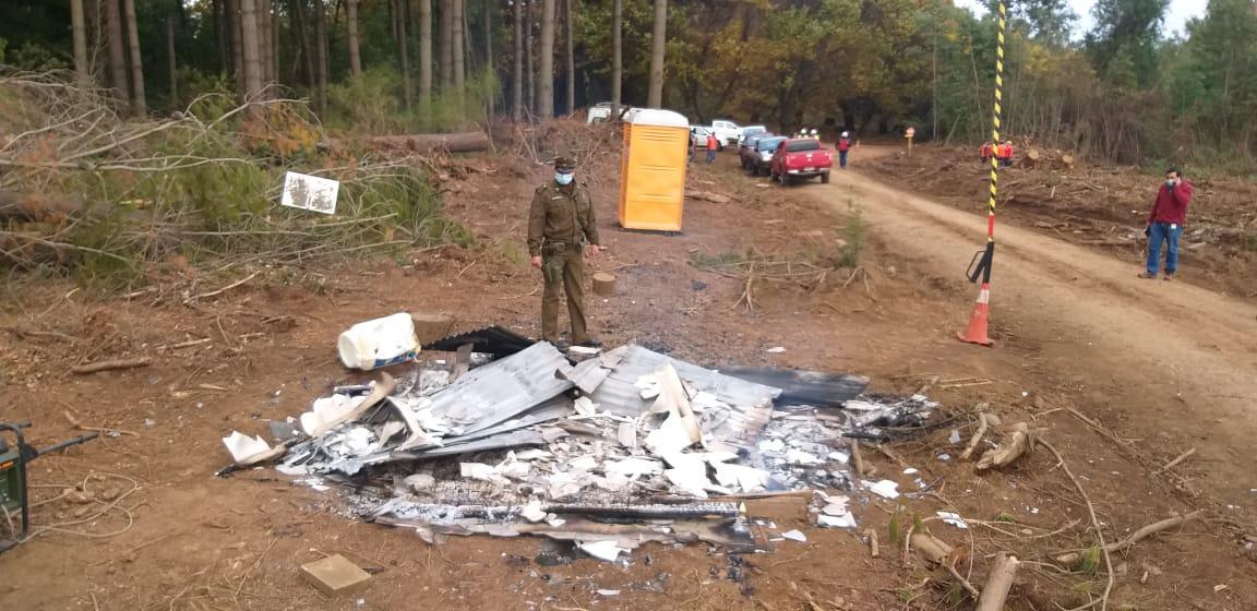 Encañonan al guardia e incendian garita de seguridad en Mulchén