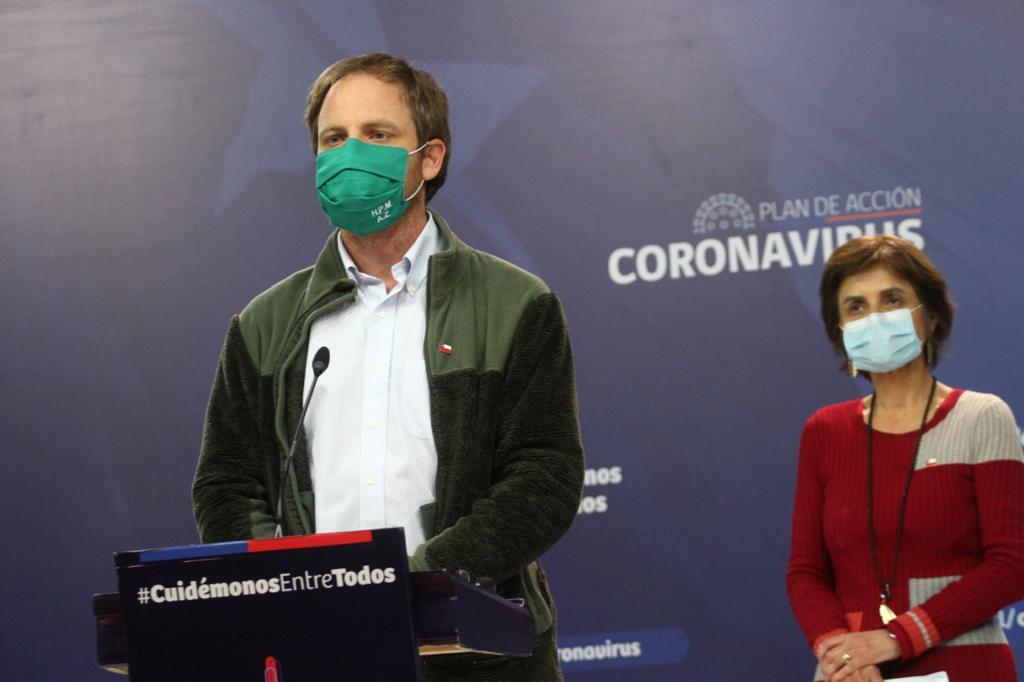 Chile supera los mil muertos por la pandemia y contagios bordean los 100 mil