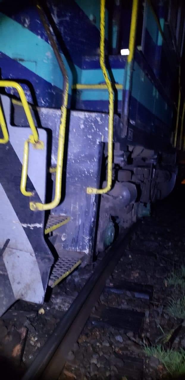Tren descarrila en Ercilla: Dejan lienzo alusivo a la causa mapuche