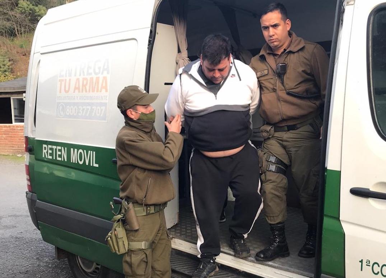 Control Sanitario en Laja permite detener a delincuentes con droga, armas y dinero