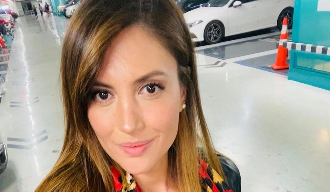 Karen Paola sufre violento portonazo Servicentro: La apuntaron con armas