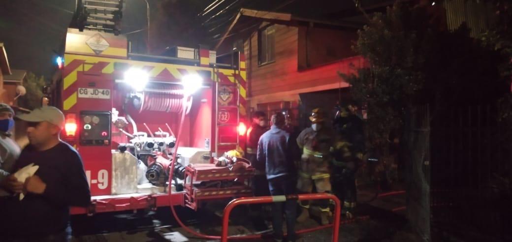 Principio de incendio afecta a vivienda en Los Ángeles
