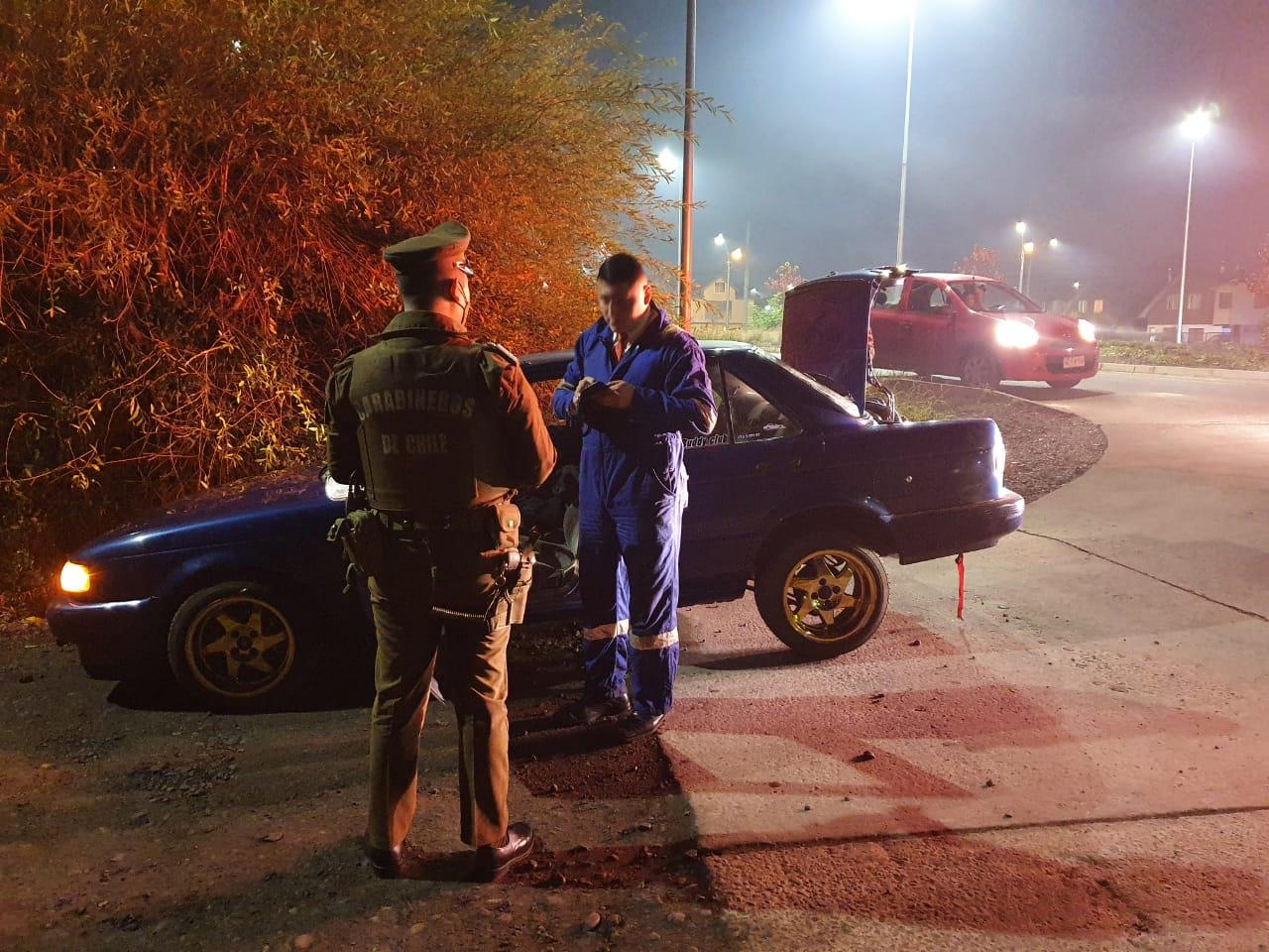 Descubren a 8 conductores en carreras clandestinas contra el tránsito en Los Ángeles