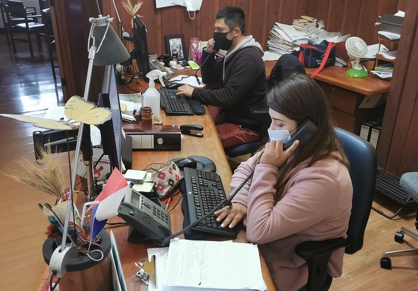 Mil llamados diarios a contactos estrechos realiza el Minsal en la provincia de Biobío