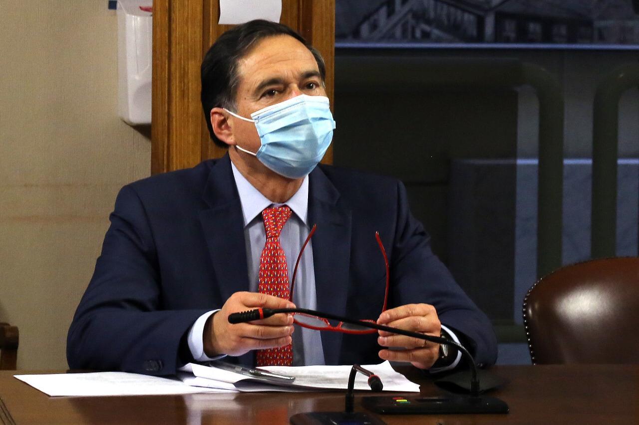 Diputado Norambuena pide ley corta para que enfermos terminales puedan retirar fondos de AFP