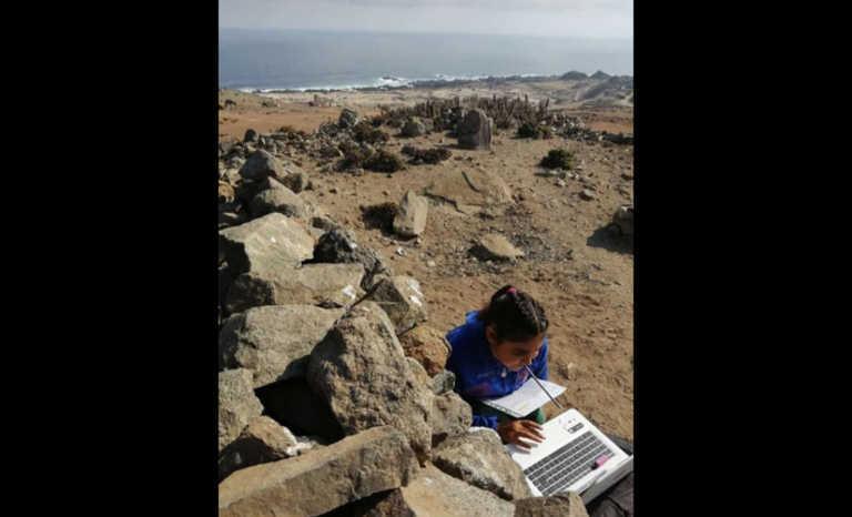 Con notebook prestado y buscando señal en la costa: La niña que conmueve al país