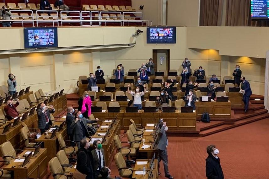 Cámara de Diputados aprueba retiro del 10% de fondos de AFP