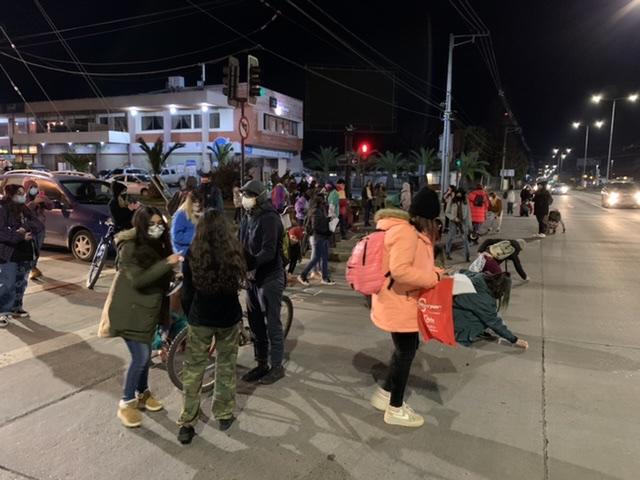 Manifestación en Los Ángeles por repudio al arresto domiciliario de Martín Pradenas