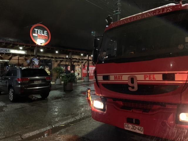 Principio de incendio afecta a restaurante en Los Ángeles