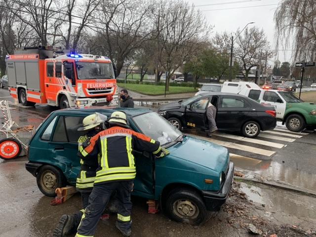 Accidente deja dos lesionados en Los Ángeles