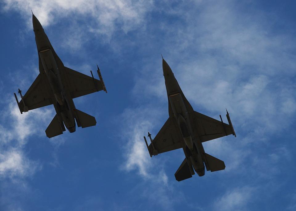 Mejoras para los F-16: Gobierno postergó compra por emergencia sanitaria