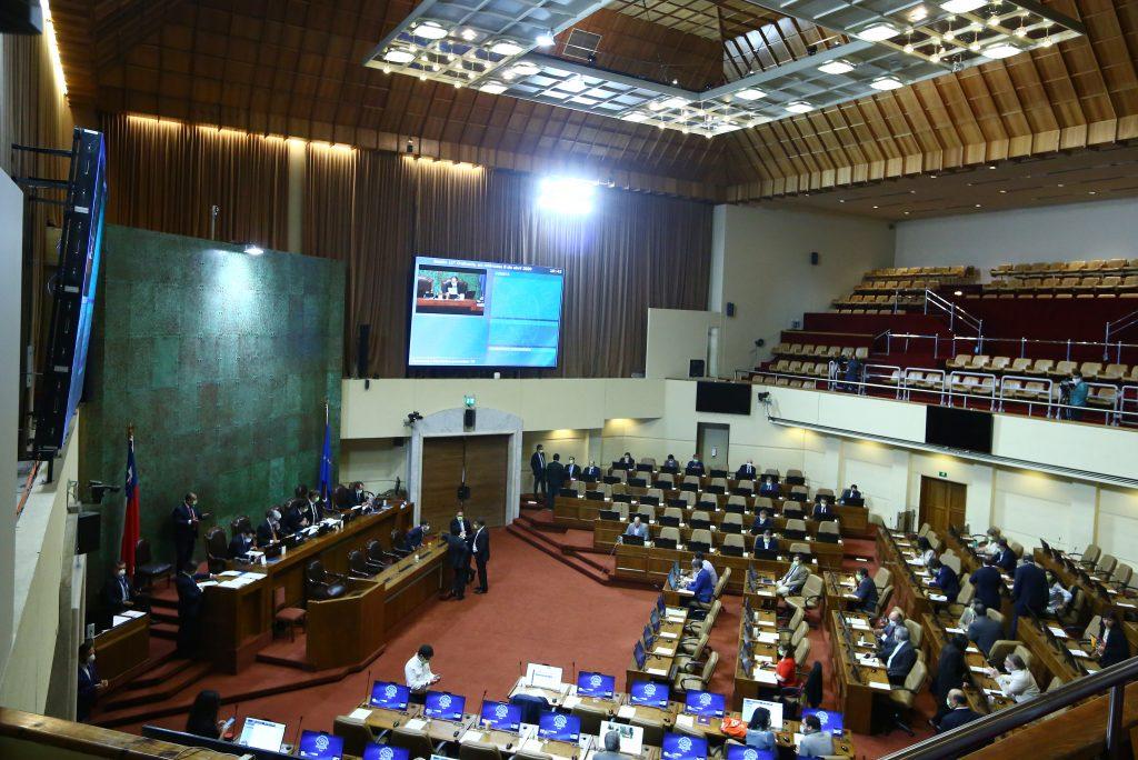 Parlamentarios califican de «tardío» bono de Piñera para evitar retiro de 10% de AFP