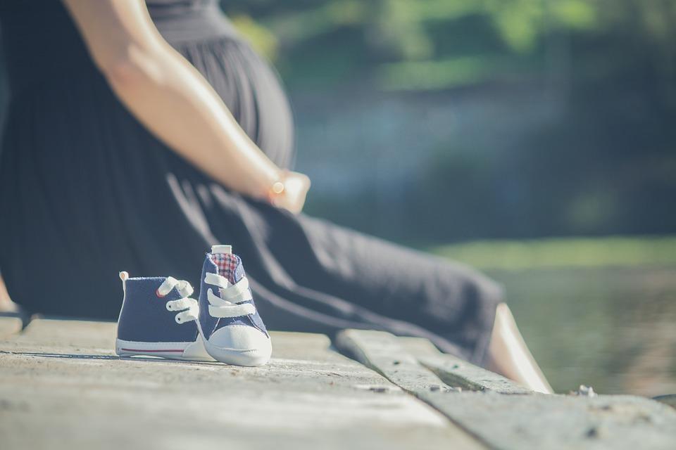 Mujer murió por Covid-19 tras dar a luz en Linares