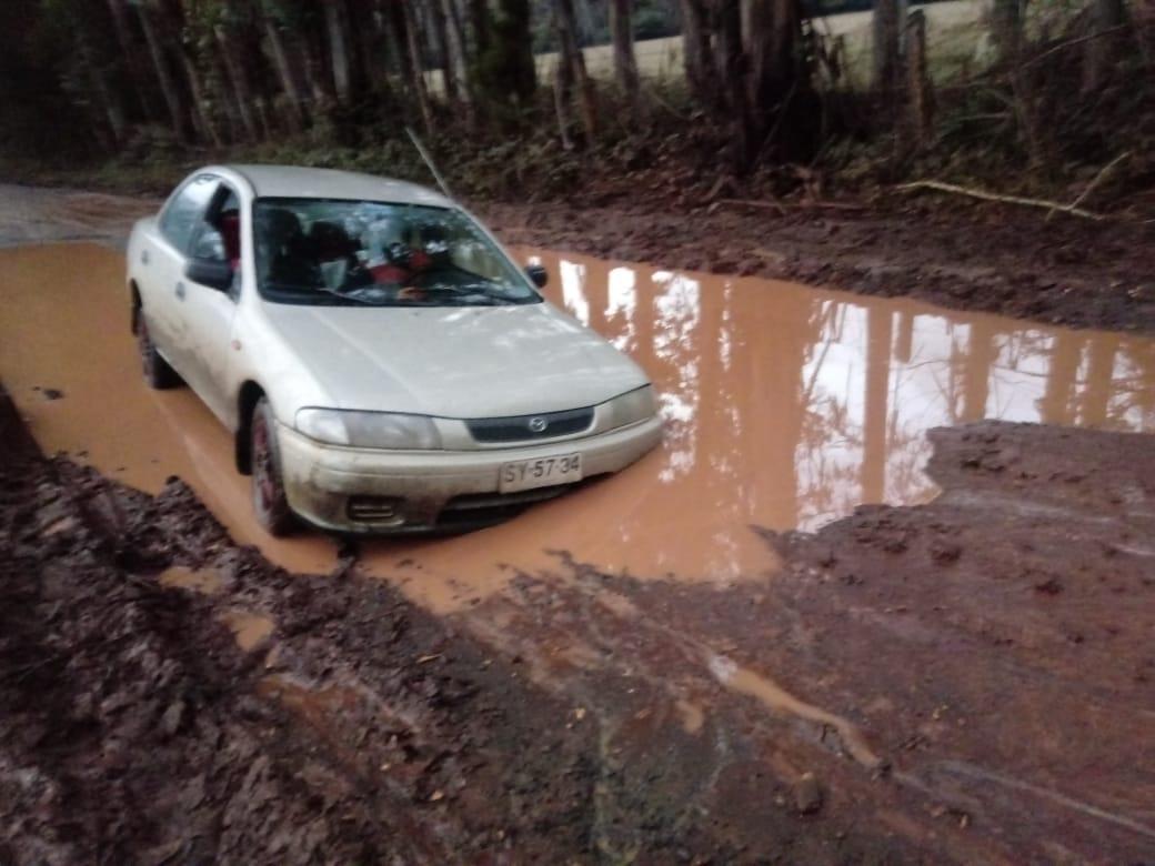 Vecinos indignados denuncian caminos intransitables en Mulchén