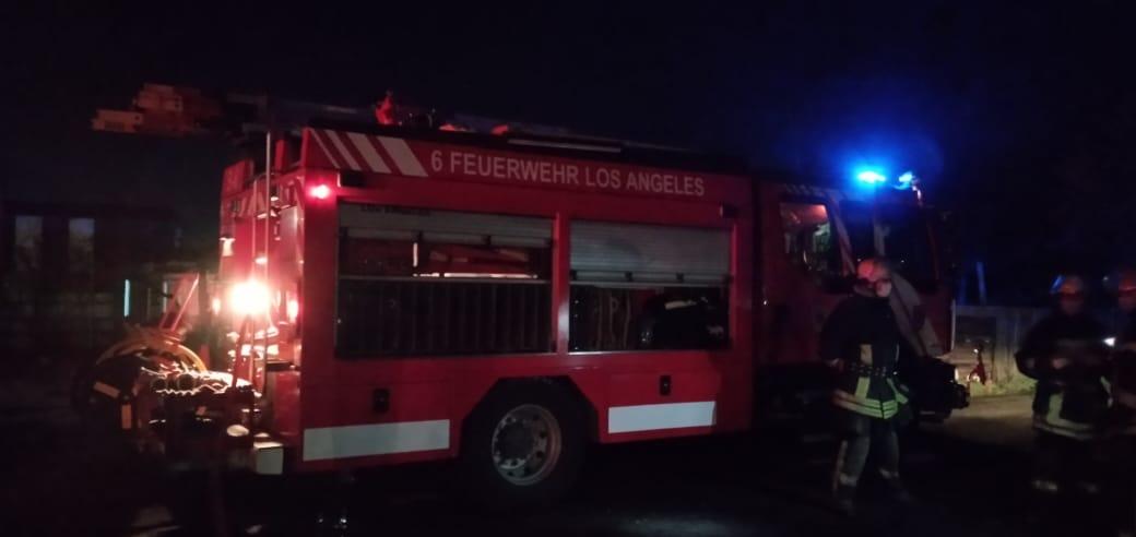 Principio de incendio afecta a un galpón camino a Tolpán en Los Ángeles