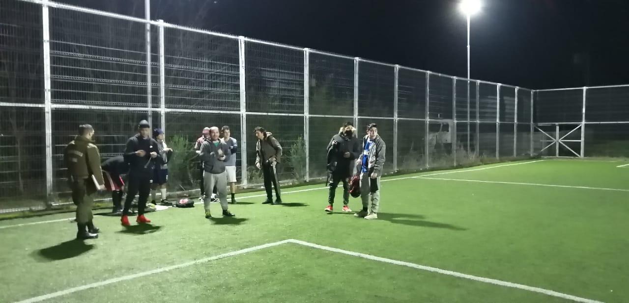 10 personas son detenidas jugando un partido de fútbol en Negrete