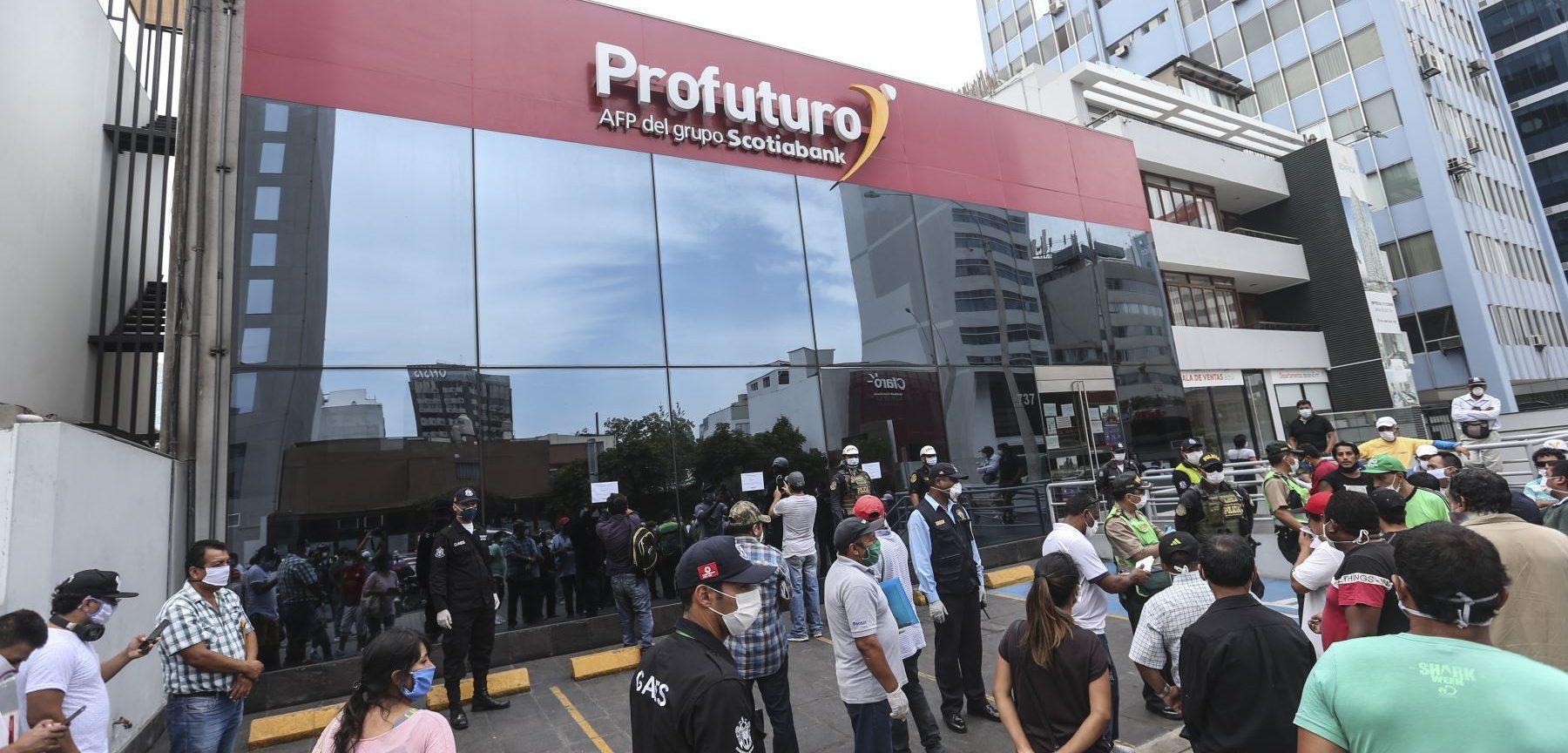 Congreso peruano discute retiro de hasta el 100% de fondos AFP por pandemia