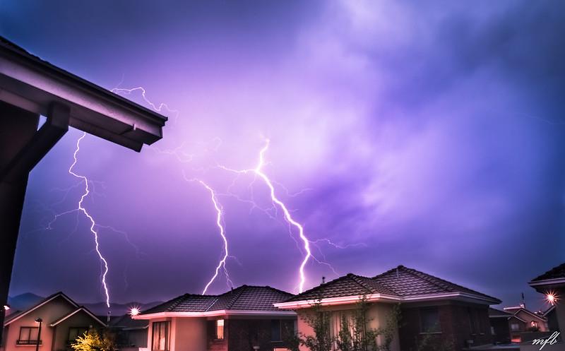 Onemi recomienda resguardarse ante aviso de tormenta eléctrica en el Bío Bío