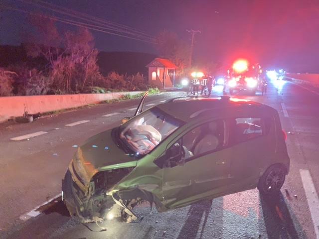 Mujer resulta herida en violento accidente en la ruta 5 – Los Ángeles