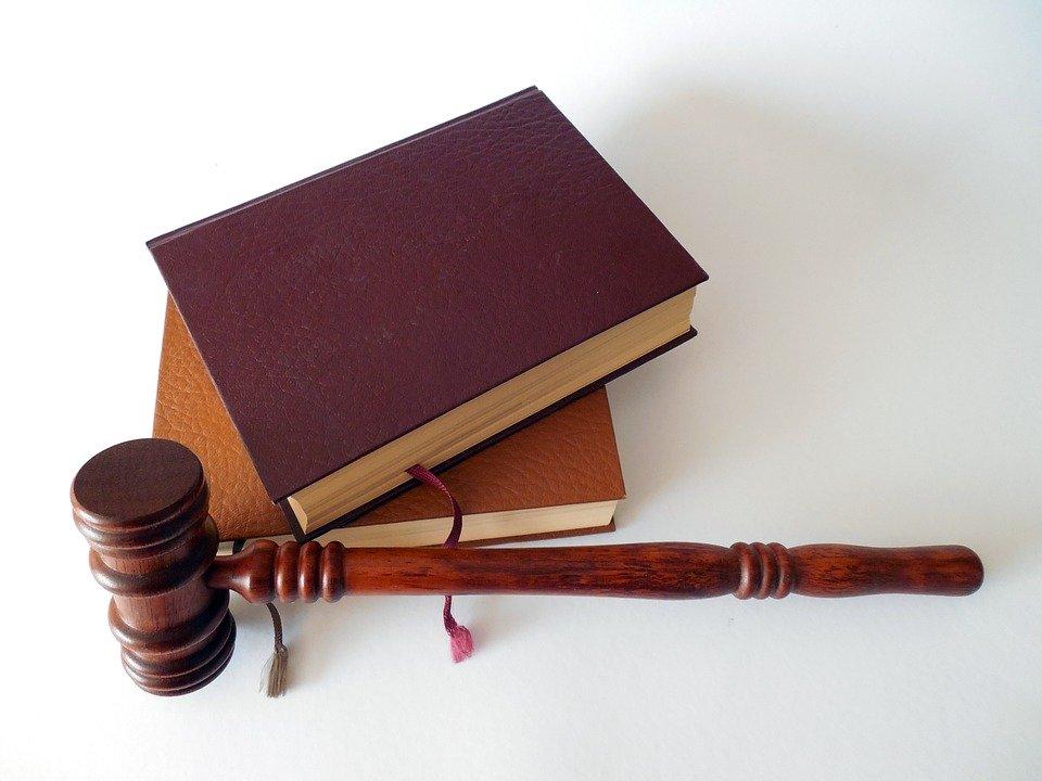Tribunal italiano dice que es «obligación» que jóvenes se independicen tras estudiar