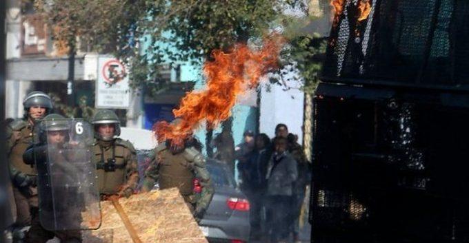Tres años  de cárcel a sujeto que lanzó molotov a Carabineros en noviembre de 2019