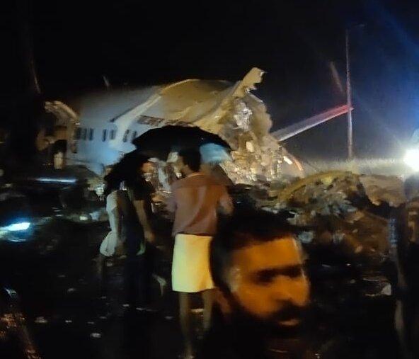 Avión con 191 pasajeros se estrelló mientras aterrizaba en la India