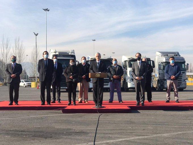 Piñera envía al Congreso Ley Juan Barrios: endurece penas por incendios a camiones